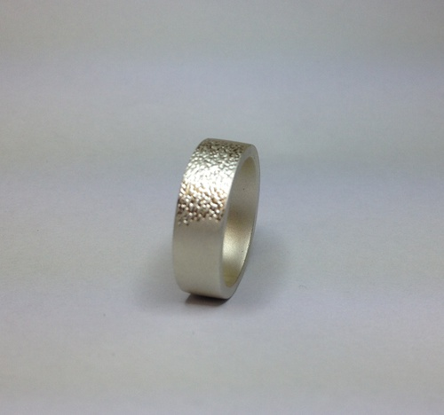 Beautiful Ring with texture feature